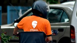 Swiggy Delivery Boy Was Delivering Beer In Gujarat
