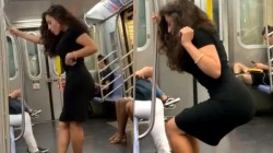 Hot Photoshoot Of Lady In Train Video Went Viral