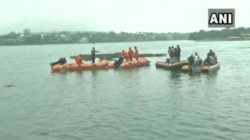 Major Accident In Madhya Pradesh Bhopal Boat Capsized During Ganesh Visarjan 11 Died