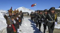 Indian Chinese Soldiers Get Into Scuffle In Ladakh Read Detalis