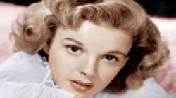 Despite Having Earned Millions And Five Marriagesuis Judy Garland Was All Alone