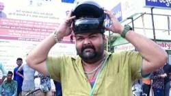Gujarat Man Head Size So Big No Helmet Fit Head Traffic Rule