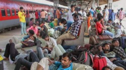 Indian Railway Will Recharge Your Mobile Phone For Free Know How