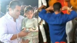 Ganesh Chaturthi Salman Khan S Aarti And Dance Video Gone Viral From Arpita S Home