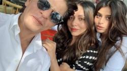 Shahrukh Khan Shares Intimate Family Pics On Ganpati Visarjan