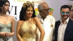 Boney Kapoor Weeps In Front Of Pictures Of Sridevi S Wax Statue