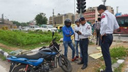 Bike Rider Got Challan For Not Wearing Seat Belt