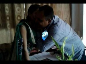 ગુજરાત: BJP કાર્યકરે શિક્ષિકાને જબરદસ્તી કરી કિસ, વીડિયો