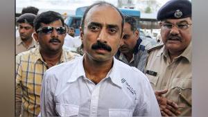 પૂર્વ IPS સંજીવ ભટ્ટની અરજી ગુજરાત હાઈકોર્ટે સ્વીકારી, જૂન 2019માં થઈ હતી આજીવન કેદ