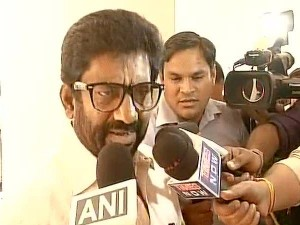 Indigo Cancels Shiv Sena Mp Ravindra Gaikwad S Ticket