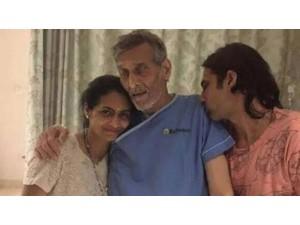 Bollywood Actor Vinod Khanna Died