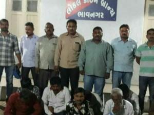 Bhavnagar Police Arrested 9 Person Gambling