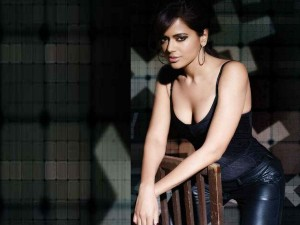 Salman Khan Shahrukh Khan Has Competition With Sameera Reddy