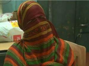Surat Waiter Rapped Lady Passenger On The Train