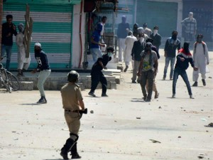 Eid Marred Pelting Teargas Kashmir Protesters Police Clash