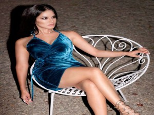 This Actress Is In Love With Sunny Leone Attitude About Life