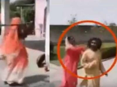 Video: મહિલાઓની છેડતી કરતો પૂજારી, જોરદાર ધુલાઈ કરી